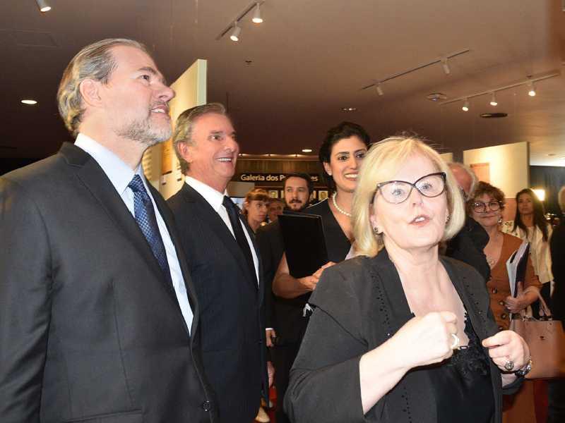 Na mostra, o ministro Dias Toffoli, senador Fernando Collor e a presidente Rosa Weber