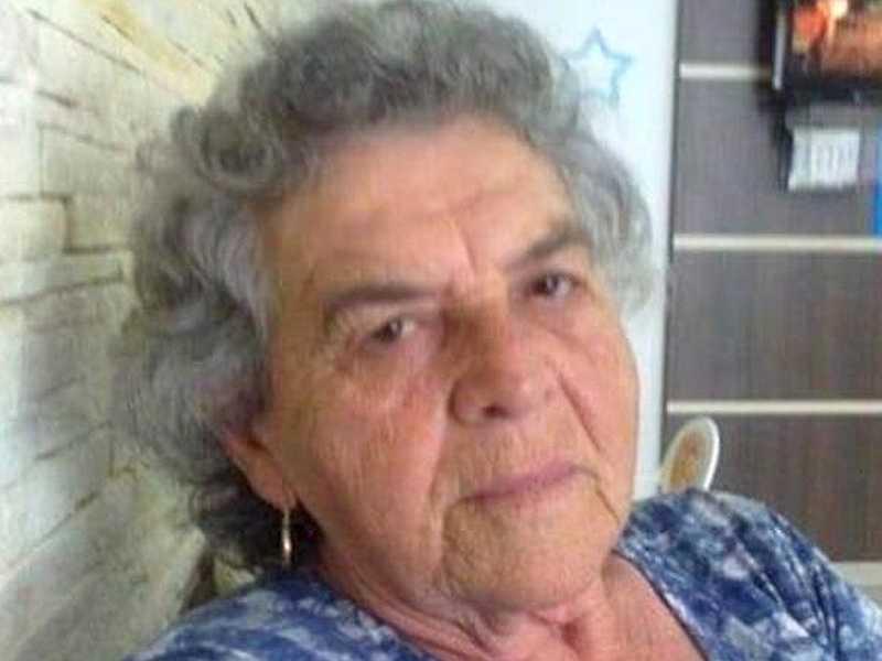 A paraisense Aparecida Rosa de Barros, residente em Campinas, esposa saudoso João Alves de Barros, neste sábado, dia 6, está completando 89 anos. Seus familiares, amigos e esta Coluna lhe parabenizam.