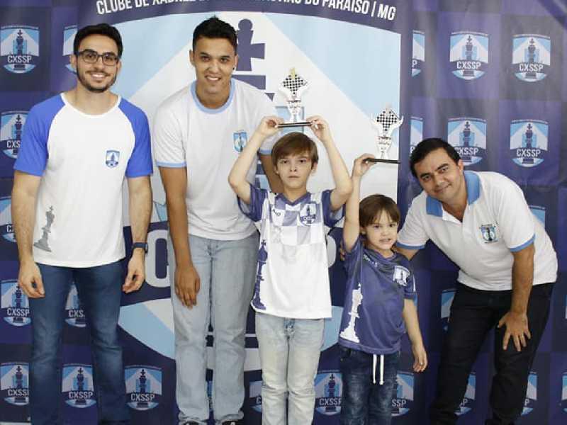 Olavo Tadeu Carvalho Oliveira campeão sub8