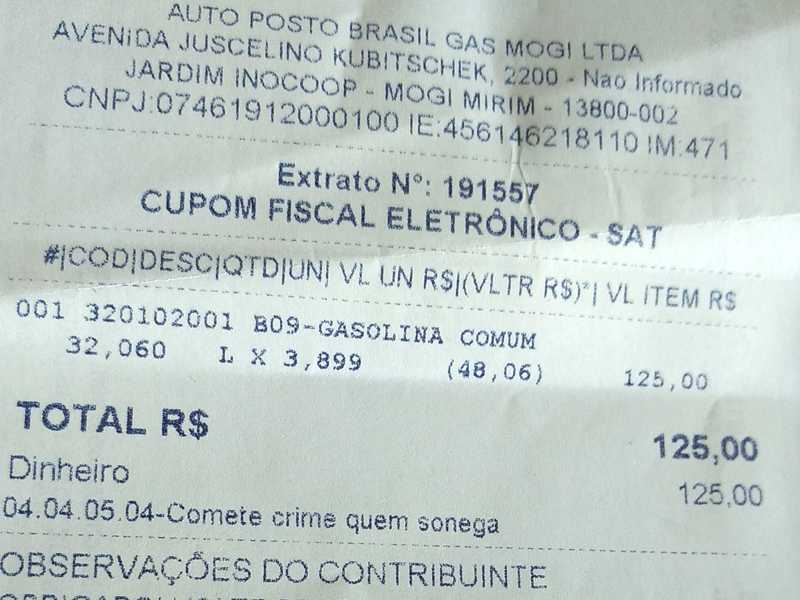 Aproveitando a viagem, consumidor Paraisense encheu o tanque do seu carro, pagando R$ 3,899 no litro da gasolina na Cidade de Mogi Mirim-SP