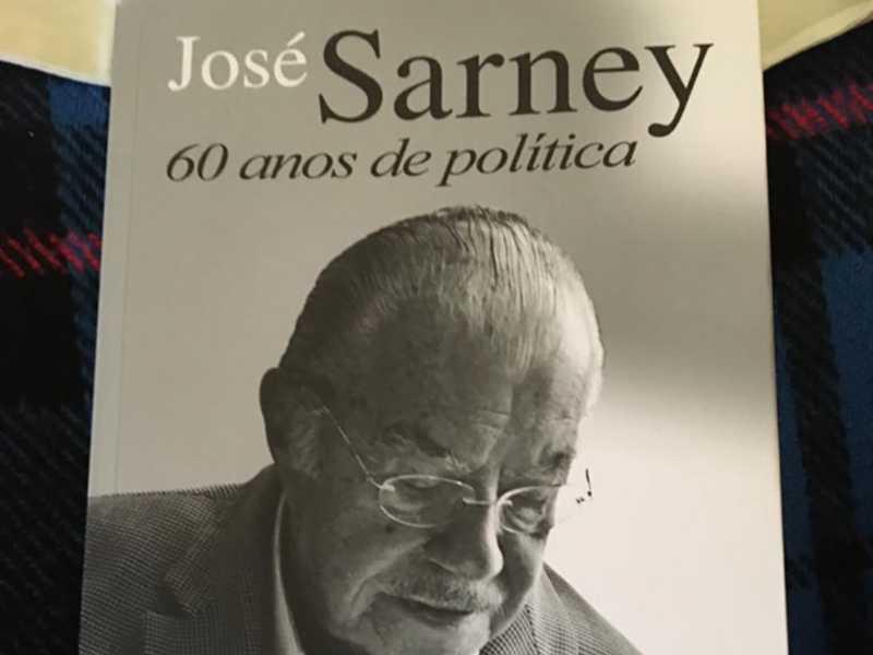 Capa do livro sobre Sarney