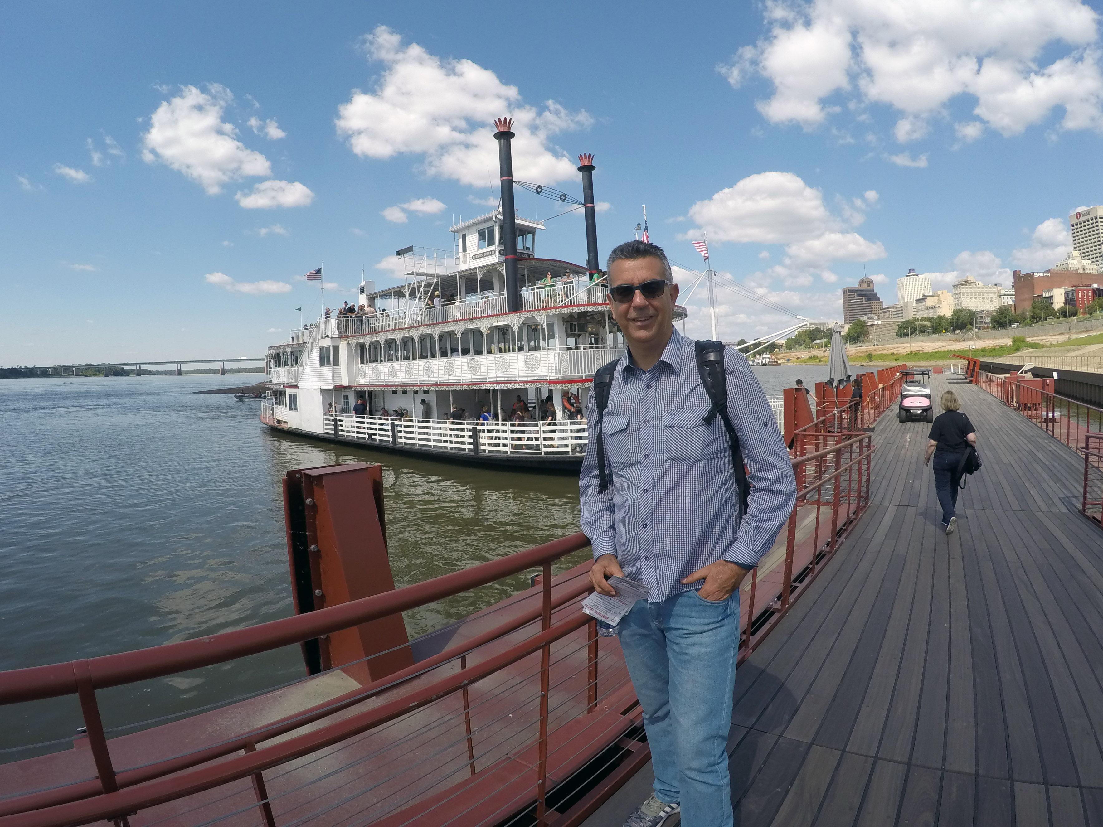 Navegando pelo Rio Mississipi