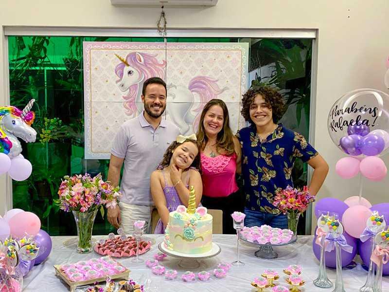 Rafaela  em família - Pais  Dr Daniel e Patricia, irmão Gabriel