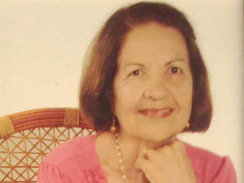 A coluna parabeniza  Marlene Filezola Andrade, aniversariante neste sábado, dia 20.  É esposa do tradicional comerciante, Benedito Andrade Filho, ex-vereador que também exerceu a função de Juiz de Paz.