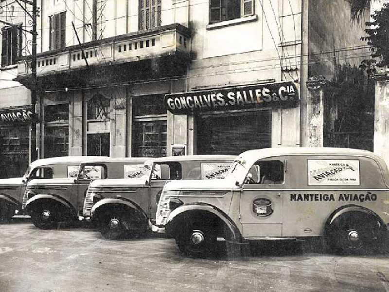 Fachada das Instalações do comércio atacadista em São Paulo, fundado em 1920