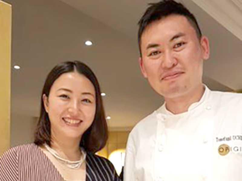Seiko e seu marido  o chef Tomofumi Uchimura