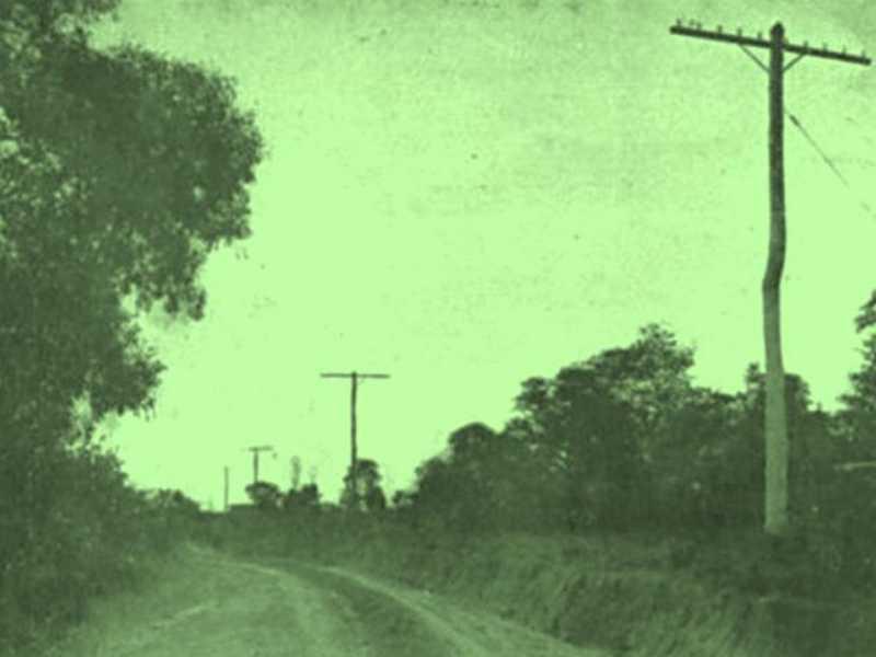 Postes da rede telefônica interurbana entre São Sebastião do Paraíso e Guaranésia. Fonte: Revista Sino Azul, do Rio de Janeiro, em 1934.