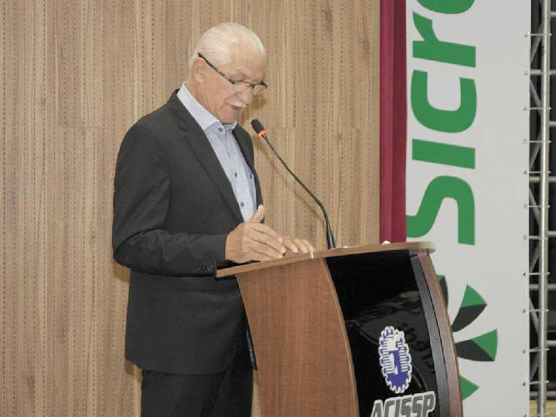 Presidente da Sicredi das Culturas RS/MG Antenor José Vione