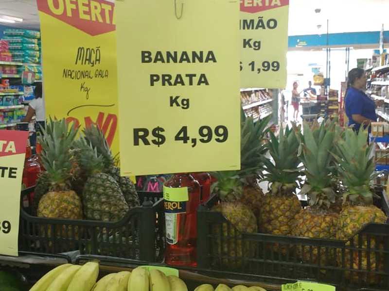 Banana Prata que custava em média no fim do ano passado R$2.50 , hoje custa R$4.99