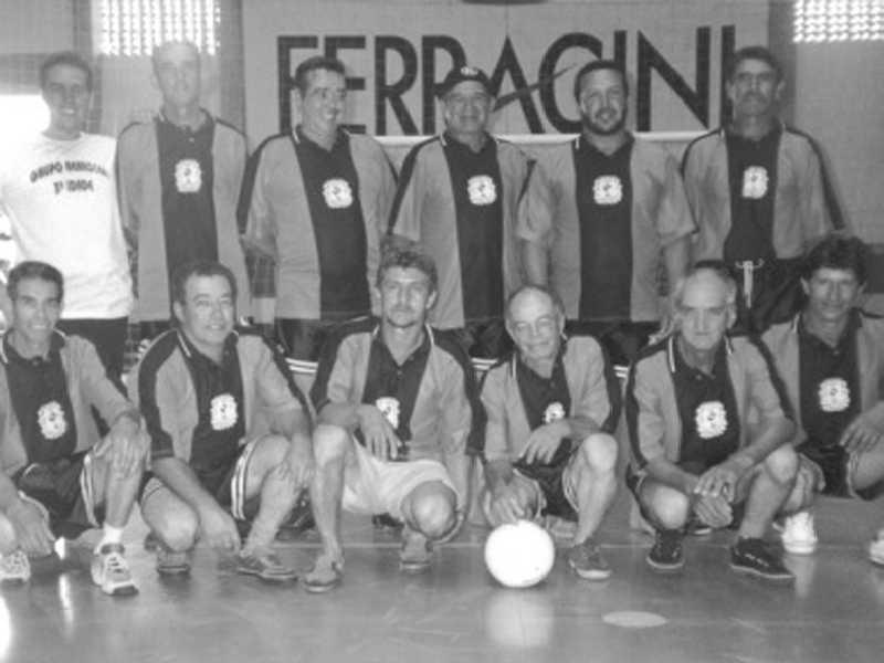 Time masculino de voleibol da 3ª idade - RENASCER