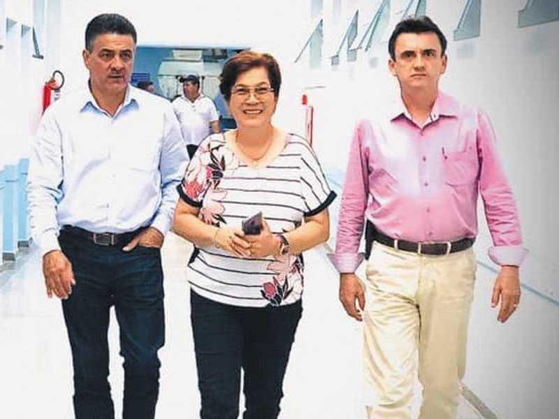 Deputado Emidinho Madedira, vice-prefeita Dilma de Oliveira e o vereador Luiz de Paula