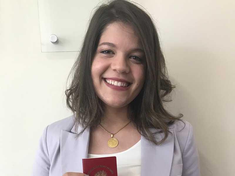 Especiais cumprimentos para Dra. Ana Elisa Pessoa Rodrigues que ontem recebeu sua carteira da Ordem dos Advogados do Brasil. O momento especial foi compartilhado com seus pais Antonio Sávio Rodrigues (Savinho), Sílvia Pessoa Rodrigues, e com a irmã, Maria