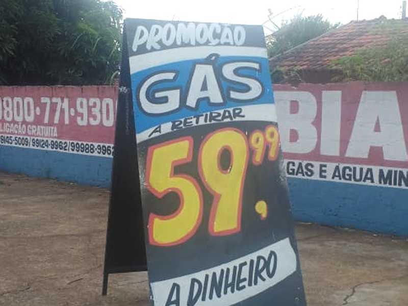 Na cidade de Brodowski SP, vejam o preço do gás de cozinha de 13 quilos, nesta sexta-feira 27 de dezembro