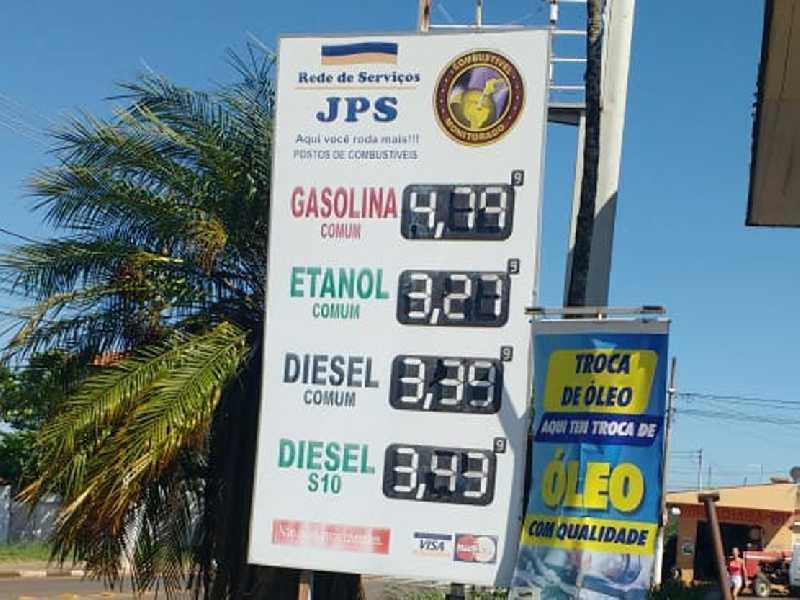 No Posto JPS que fica localizado na Av. Brasil, no Parque São Judas Tadeu, é onde se vende o preço do litro do etanol e do eiesel mais barato em Paraíso