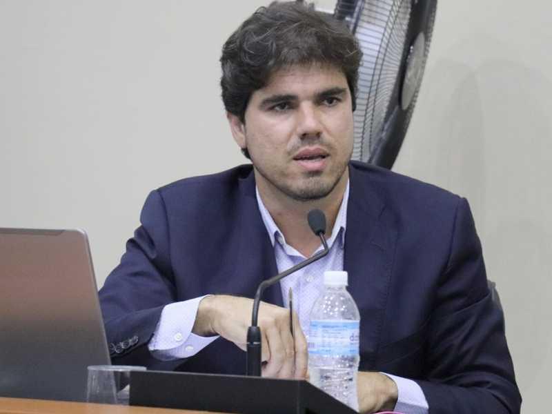 Vereadores pedem ao Poder Público segurança para que pedestres possam praticam esporte na Av. Dr. João de Oliveira Brandão Filho