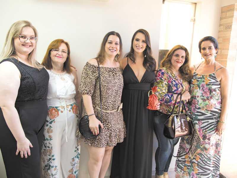 Mariana, Marinicia, Dra. Carla, Dra. Christiane, Dra. Helena e Christina