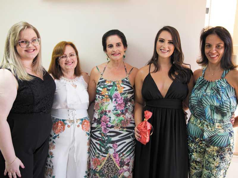 Mariana, Narinicia, Christina, Dra. Christiane e Maysa