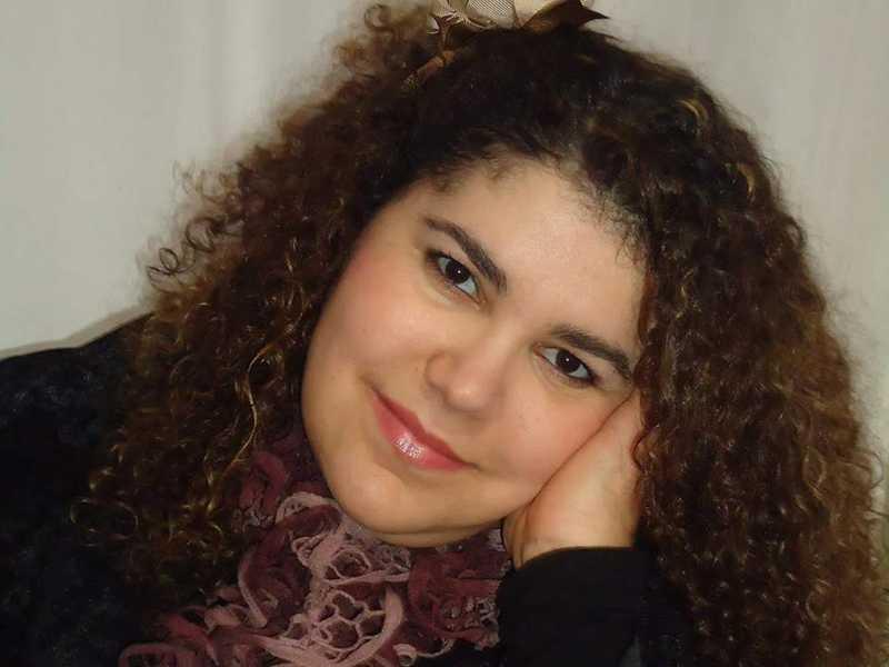 A educadora Marília Souza Neves  assessora pedagógica da Secretaria  Municipal  de Educação,  muda de idade  dia 14.