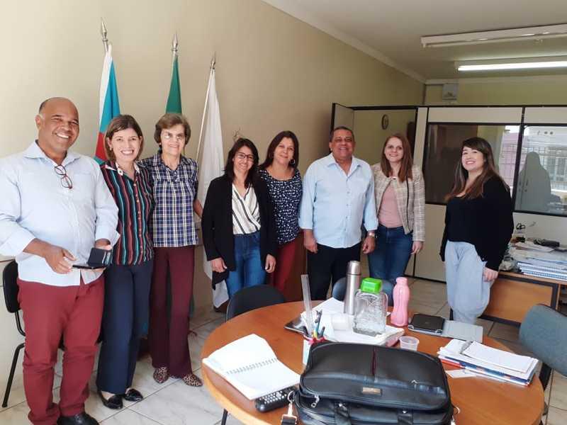 Analistas técnicos do Tribunal de Contas foram recebidos na Secretaria Municipal de Educação