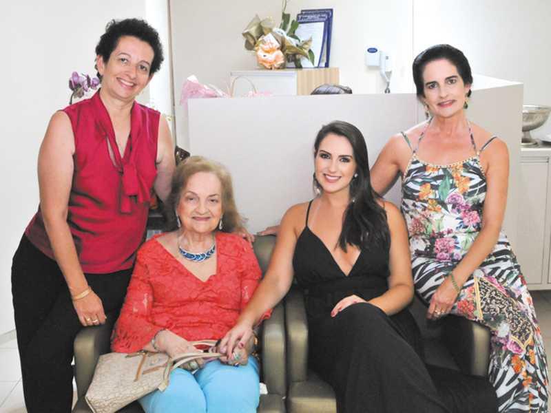 Maria Helena, Dely, Dra. Christiane e Christina
