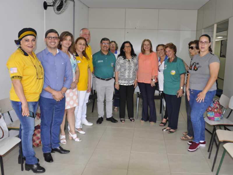 Evento teve a presença do Governador do Distrito CL6, leoninas, prefeito e secretários da administração