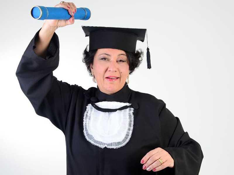 Especiais cumprimentos para minha amiga ANGELA MARIA PASCOAL CARDOSO que colou grau em Pedagogia pela UNIP.