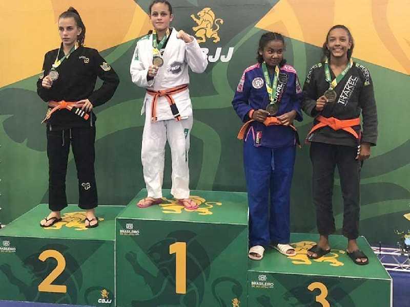 Bia é campeã Brasileira de Jiu Jitsu pela CBJJ e novamente ficou no mais alto do pódio