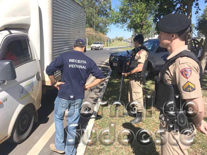 Blitz aconteceu durante toda a manhã na MG-050, próximo ao Posto da Polícia Rodoviária Estadual