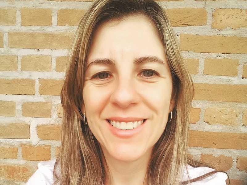 MICHELLE APARECIDA  PEREIRA LOPES:  Doutora em Linguística pela Universidade Federal de São Carlos e pesquisadora da constituição discursiva do corpo feminino ao longo da história. É docente e coordenadora do curso de Letras da Universidade de MG