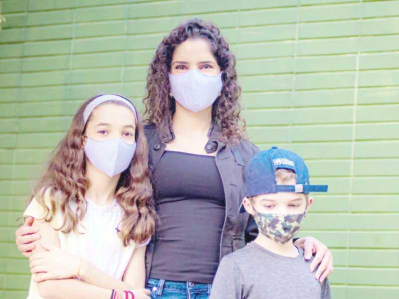 Fernanda Oliveira com os filhos, Giovana e Fernando