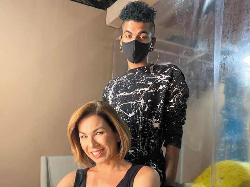 Estela com o estilista Fênix Zion