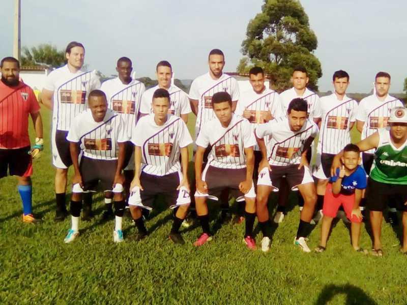 Equipe do 3 de Outubro conquistou o título de campeão no Torneio Municipal