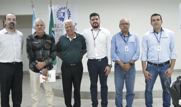 Na última semana reuniu cafeicultores, representantes de órgãos de segurança para expor o sistema a ser utilizado no período da safra que já se iniciou