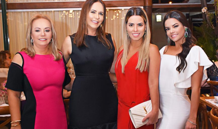 Lucinha Valente, Jussara Valente Procópio, Eliza Frota e Monique Valente (Foto de Luciana Lombardi)