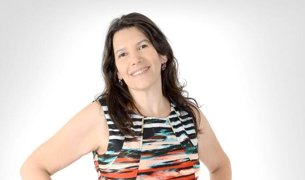 Educadora Ana Elizabete, formada em Ciências Sociais e pós-graduada em  psicopedagogia e gestão escolar, hoje atua na coordenação da educação no município