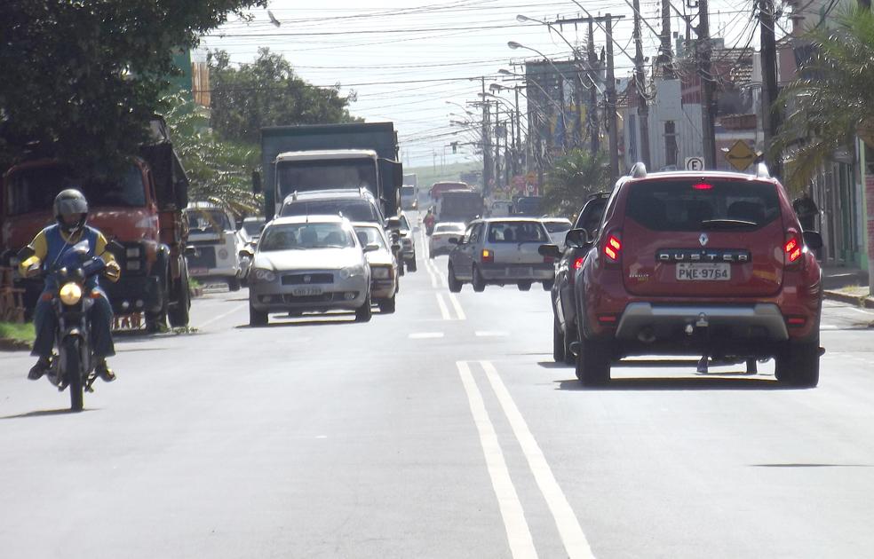 2017 - 04 - ALTERAÇÃO - Vereadores cobram solução para os problemas de trânsito registrados na cidade