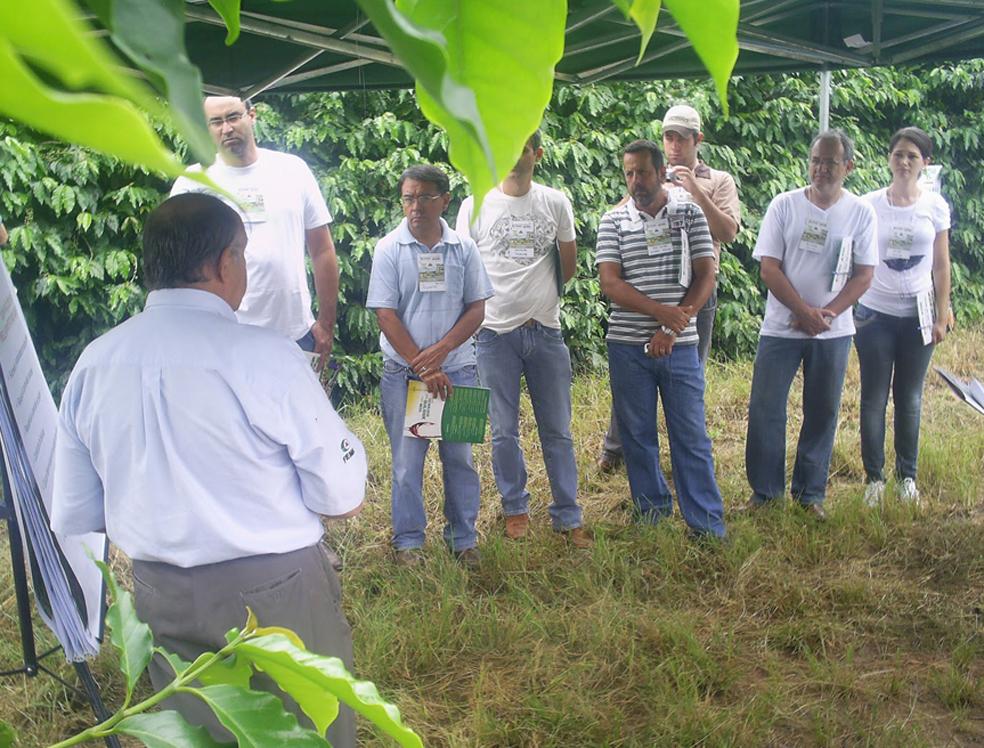 Circuito divulga as tecnologias do setor do café e promove a troca de informações