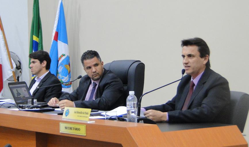 Vereadores fizeram cobranças em plenário, entre elas melhorias no trânsito, emissão de documentos e sinalização dos bairros