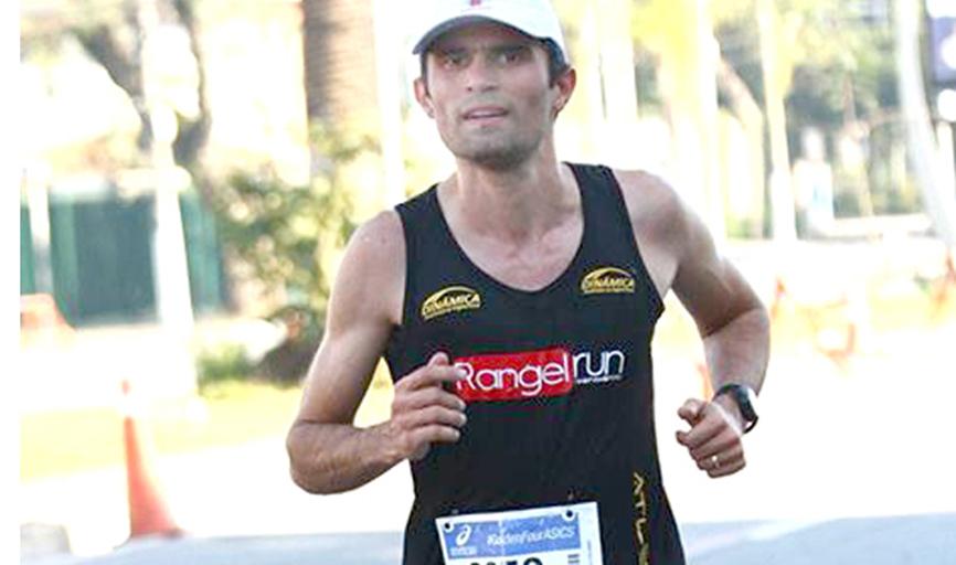 """Daniel Naves no campeonato """"10 km Tribuna Santos"""", em maio de 2017"""