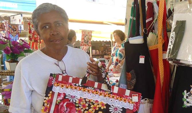 Hoje Eloísa apresenta suas peças na feira da Vila Formosa e em feiras organizadas durante o ano, como no Balaio Mineiro