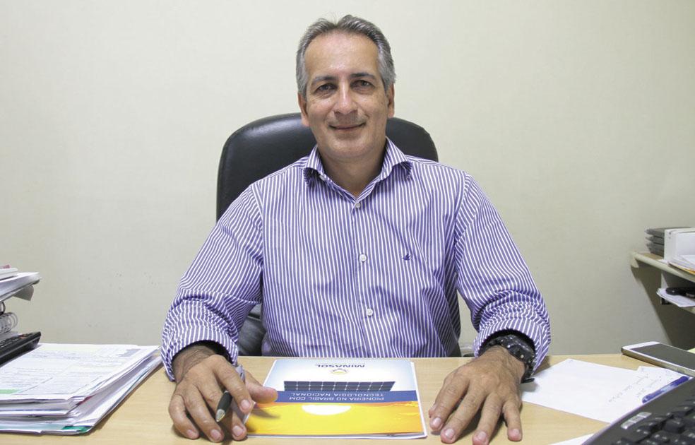 Diretor comercial da Minasol Adilson Santos (Passarim)