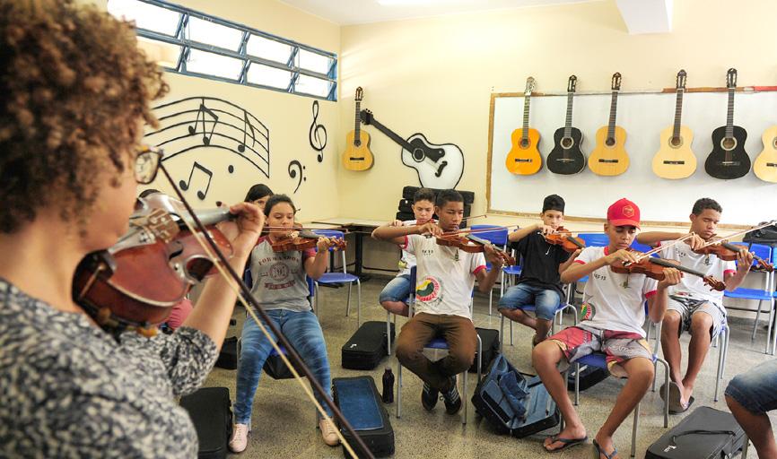 Alunos tem aula de cidadania e cultura como na visita ao Museu de Portinari