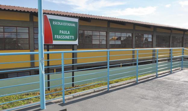 Escola foi inaugurada em 2011 em parceria entre Estado e Município