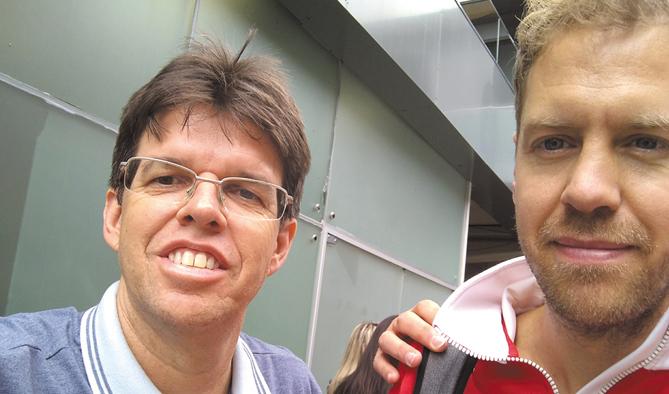 Com Sebastian Vettel,  vencedor do GP do Brasil
