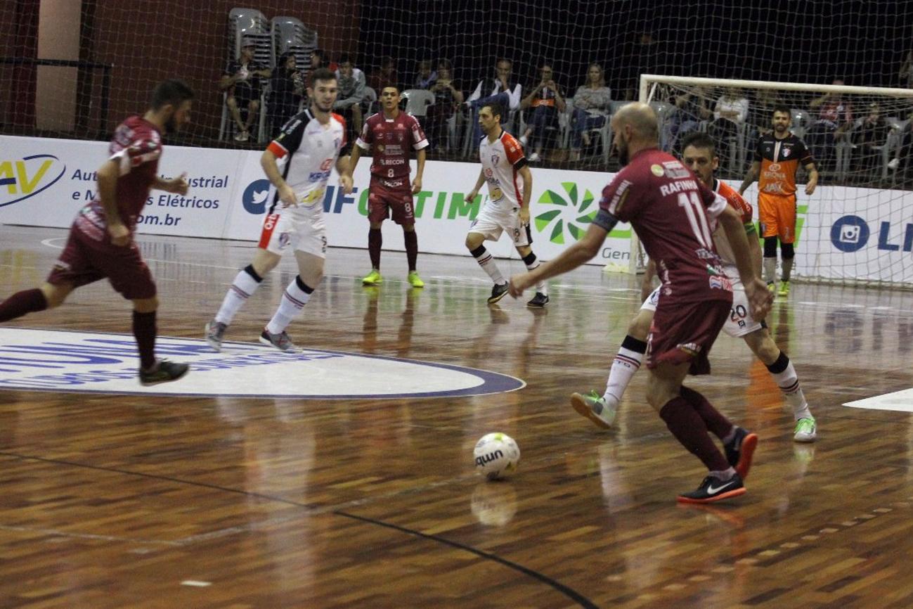 Paraíso Futsal perde de virada do Joinvile e não sabe o que é vitória na LNF
