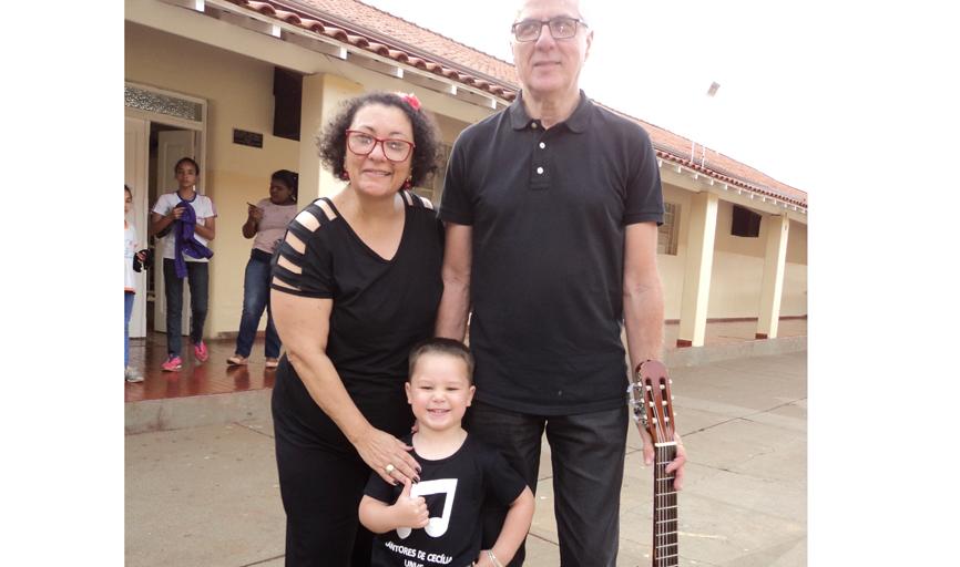 Ângela, Artur e o garotinho Rafael