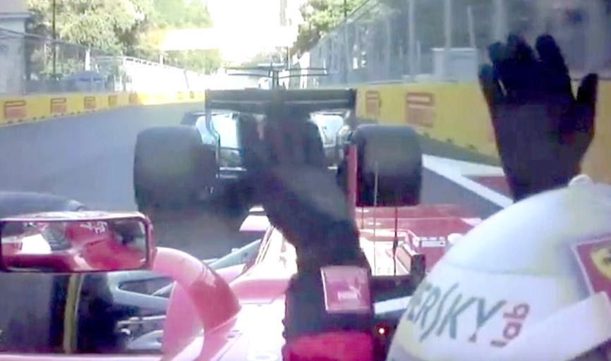 Momento em que Vettel bate involuntariamente na traseira de Hamilton e depois revida, aí sim, batendo de propósito no adversário