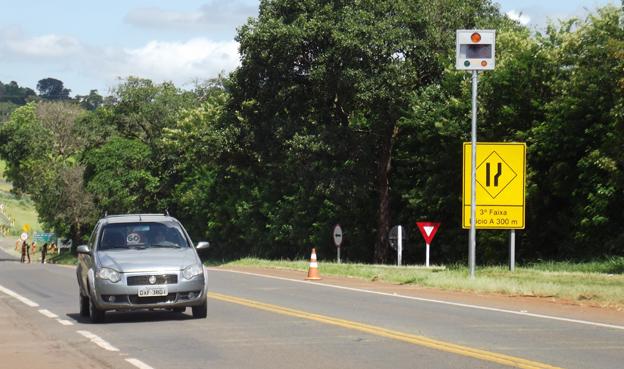 Vários equipamentos de controle de velocidade estão sendo instalados no município desde o ano passado