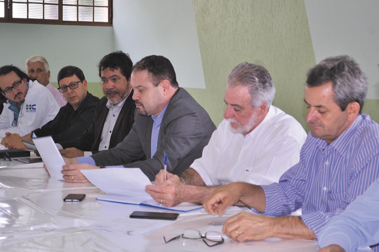 Francisco Assis foi recebido na Santa Casa e se comprometeu em ajudar a instituição