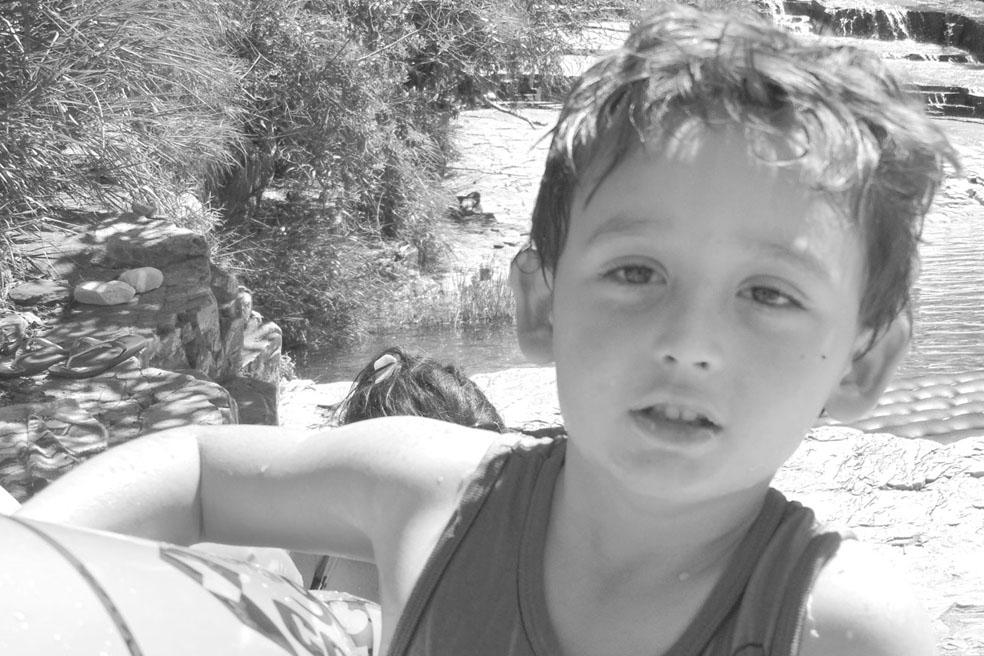 Maicon Henrique da Silva – completou  sete anos no dia 7. Filho de José Roberto (Betão) e Juliana, neto de Célia, Rubinho (Santista).